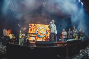 2018-08-03-АукцЫон на фесте Молода и Красива ((фото Алексея Королёва)31